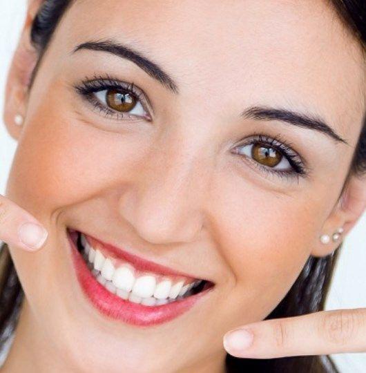 Îngrijirea naturală a dinților : se poate opri apariția cariilor și regenera dantura?